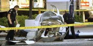 Avioneta se estrella en un centro comercial de San Diego