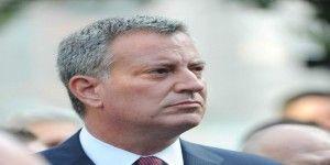Alcalde de Nueva York habla de inmigración en el Vaticano