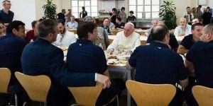 Papa Francisco almorzó en el comedor de El Vaticano