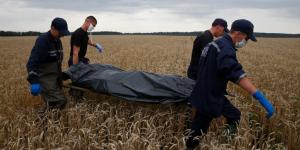 Retiran 258 cuerpos del vuelo 17 de Malaysia Airlines