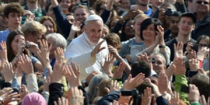 Papa Francisco disfruta sus vacaciones en el Vaticano