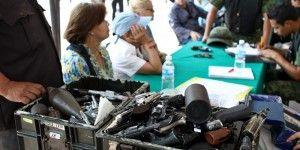 Canjean armas por vales de despensa en Monterrey