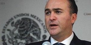 Villarreal pone en manos de Madero su cargo de coordinador de diputados del PAN