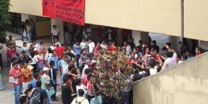 Cancelan turno vespertino en Autónoma de Guerrero