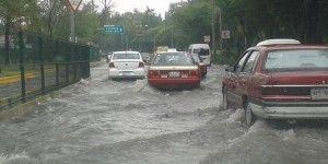 Lluvias en DF ocasionan tráfico, deslaves y encharcamientos