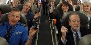 Sobrecargos de EE.UU. demandan que se prohíban celulares en vuelos
