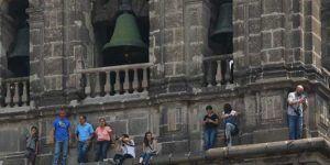 Hacen recorrido en la cornisa de la Catedral Metropolitana