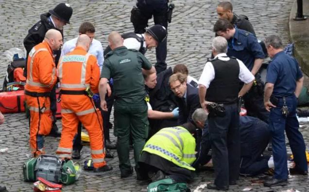 Cinco muertos y 40 heridos en incidentes terroristas fuera del Parlamento británico